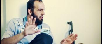 »Në fotografi duket Abdulqader Al-Salah, gjatë një bashkëbisede intervistuese që po mbanim në bazën e tij, në Marea, gjatë qershorit 2012« Vedat Xhymshiti, për Der Spiegel