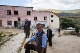 Albania is also the poorest of the 37 European countries for which Eurostat collects statistics. After 1990, agricultural cooperatives were closed and the country's industry was in shambles. About half of all scientists and academics left the country and roughly one in two Albanians still work in agriculture today. Annual per capita GDP is €3,486, one-eighth of the EU average. The average hourly wage is a little over €2. [Elie Gardner/ DER SPIEGEL]